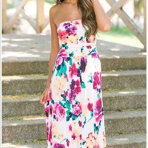Dresses & Skirts - Strapless floral maxi dress